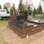 Pomnik Omgea + Black